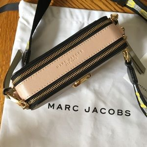 Marc Jacobs Bags - Marc Jacobs Snapshot clutch